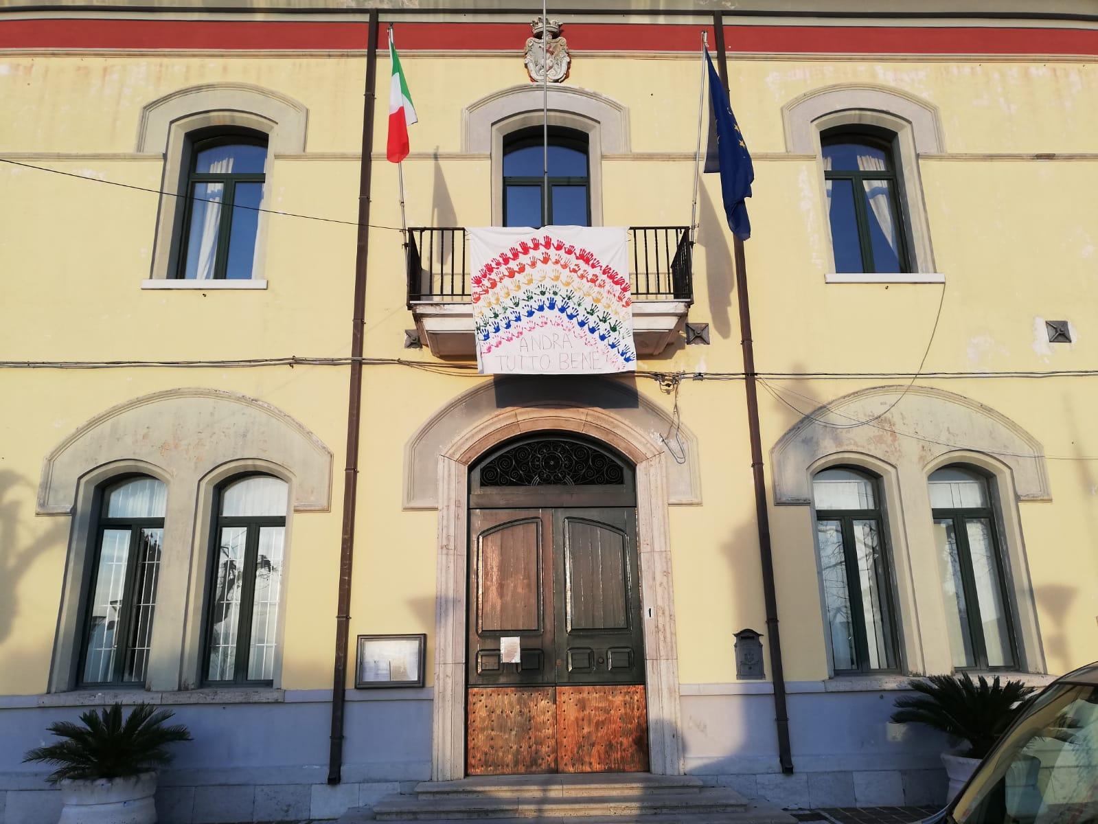 """""""ANDRÀ TUTTO BENE"""": IL MESSAGGIO DI SPERANZA DEI MIGRANTI"""