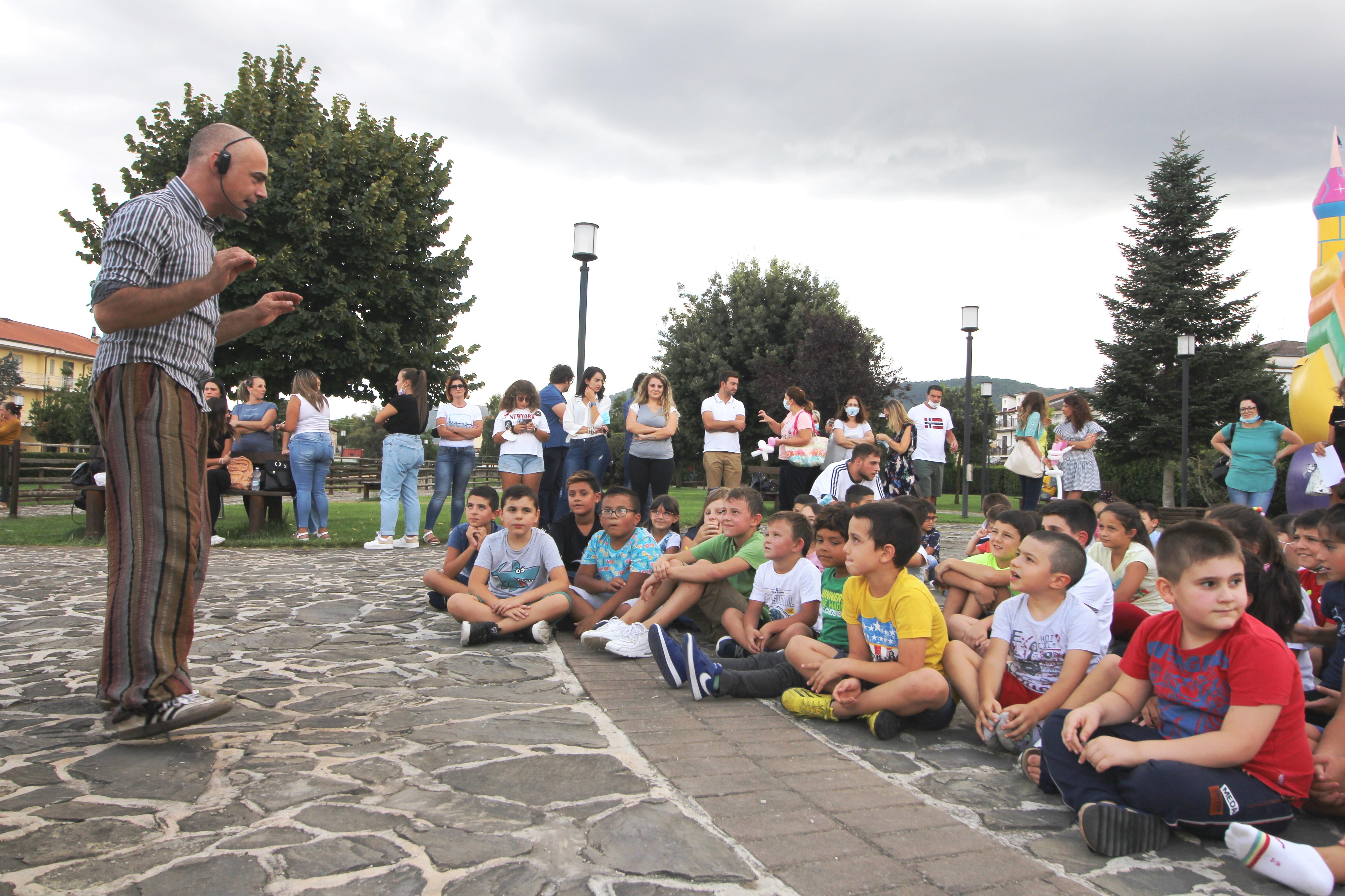 RIEDUCHIAMOCI, conclusi i laboratori e il campo estivo 150 i bambini partecipanti